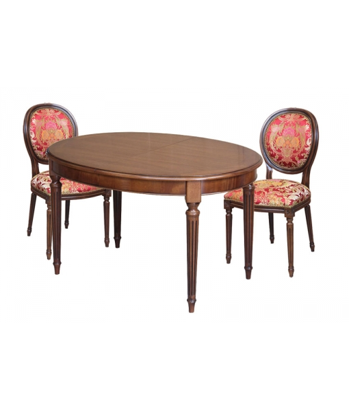 Table ovale, table avec chaises, table de cuiisine