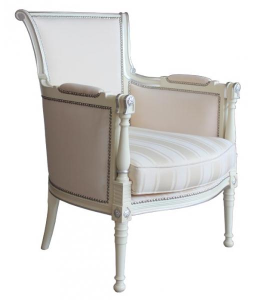 Fauteuil classique, fauteuil blanche, fauteuil avec accoudoirs rembourrés