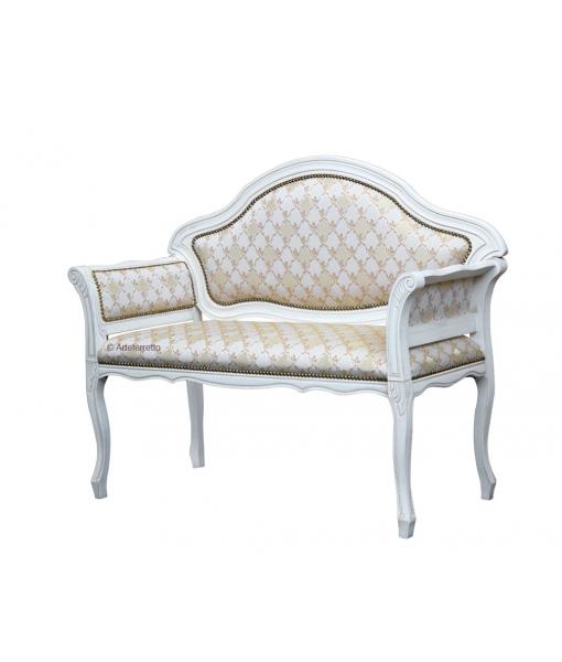 petit canap classique lamaisonplus. Black Bedroom Furniture Sets. Home Design Ideas
