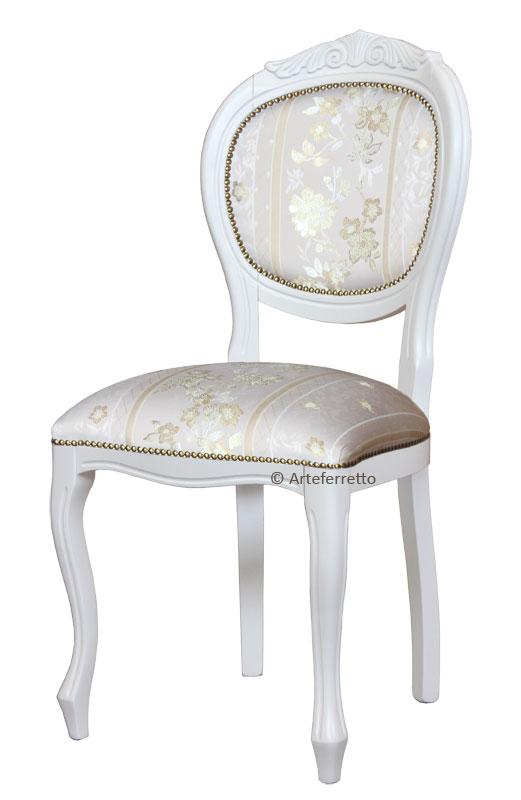 Chaise rembourr e blanche lamaisonplus for Chaise rembourree blanche