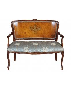 canapé classique, canapé deux places, canapé rembourré,. canapé pour salon élégant