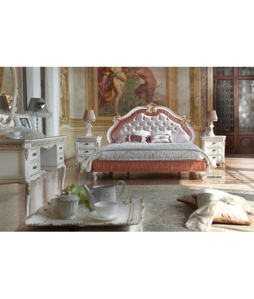 Lit deux places sculpté et rembourré, lit, lit adulte