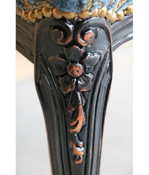 Fauteuil médaillon noir vieilli, fauteuil noir, fauteuil de style classique, arteferretto
