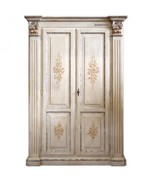 armoire finition effet ancien, armoire artisanat, armoire d'antiquité