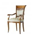 Chaise sculptée avec accoudoirs